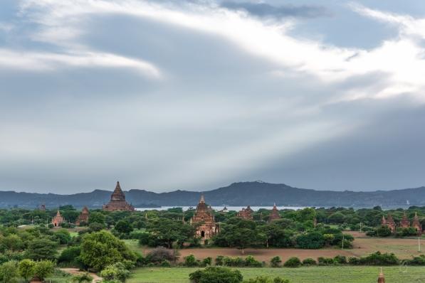 Atardecer al borde del Río Irrawaddi