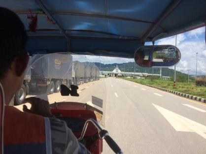 En camino al Puente de la Amistad - Chiang Khong